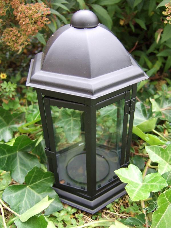Grablaterne-mit-Erdspiess-Hoehe-24-cm-Grablampe-Grabschmuck-Grablicht-Grableuchte